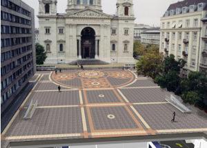 Budapest, V. Szent István tér gépesített mélygarázs és díszburkolat